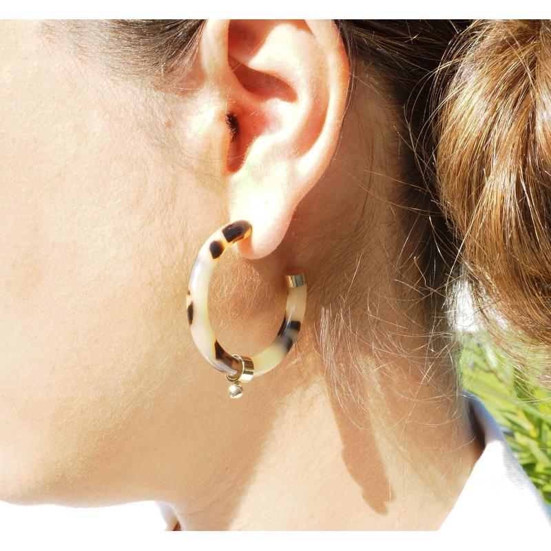 White acetate ball gold hoop earrings - Zag Bijoux