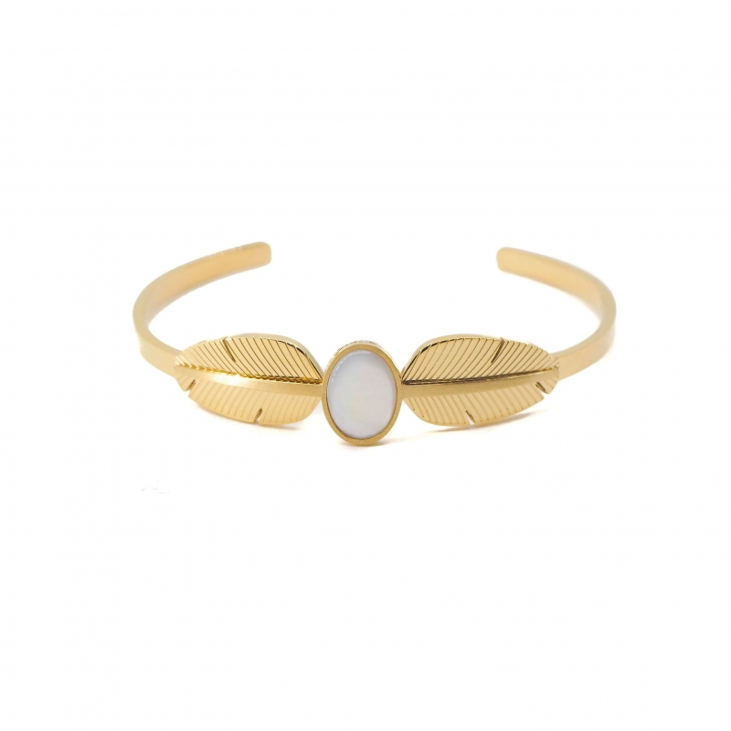 Pearly feather gold bangle...