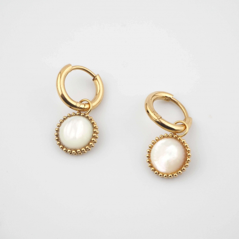 Lydie pearly gold hoops...