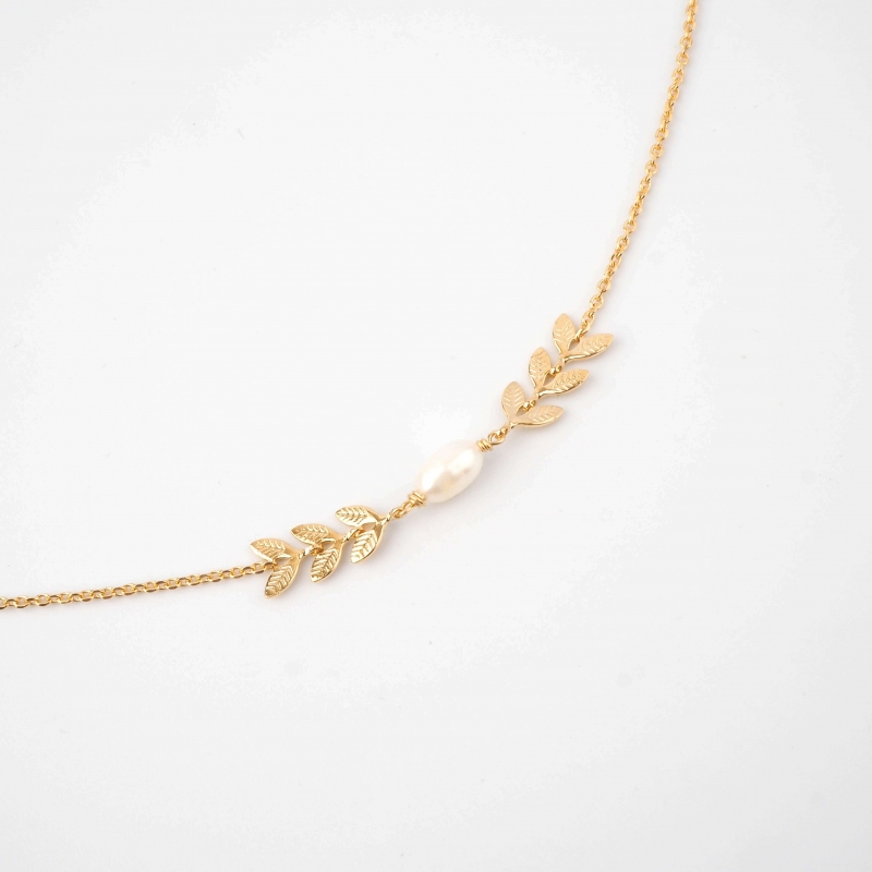 Pearl ears gold necklace -...