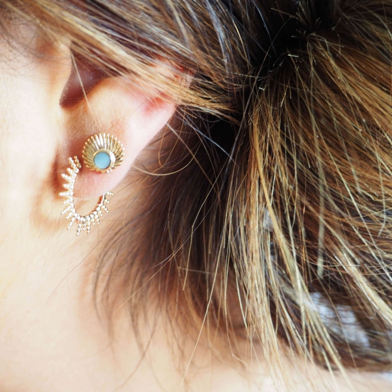 Asia gold ear studs - Pomme...