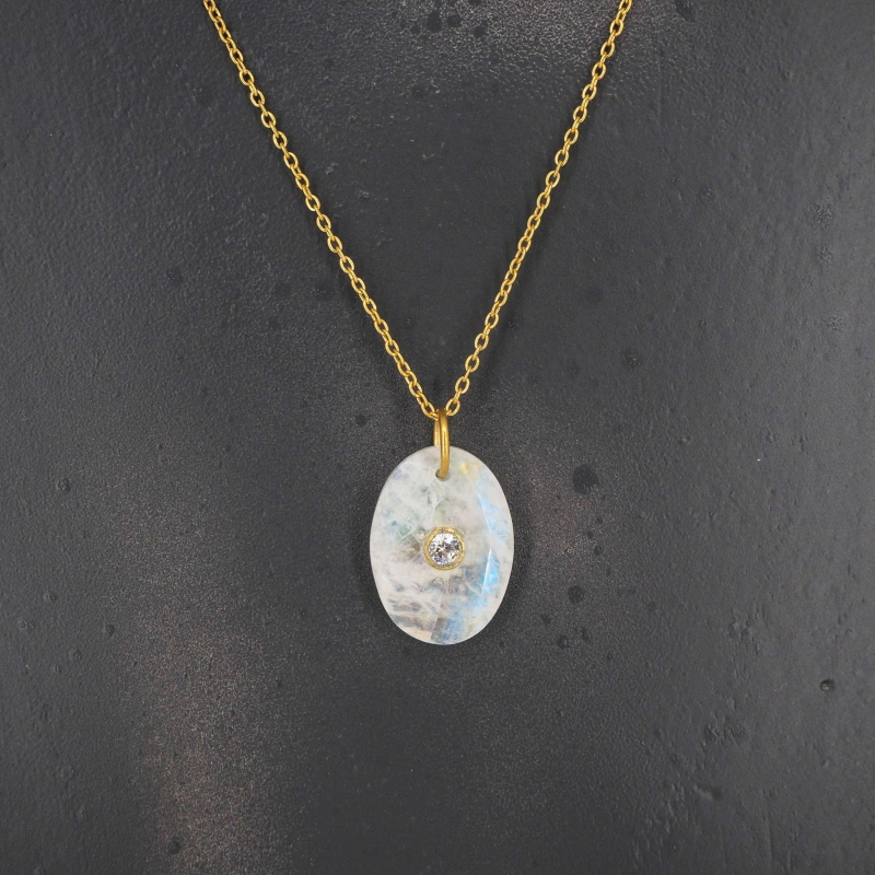 Oval opal gold necklace -...