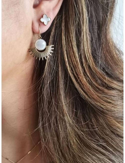Pearl clover gold stud earrings - Zag Bijoux
