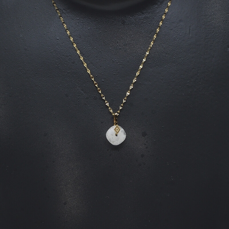 Precious opal gold necklace...