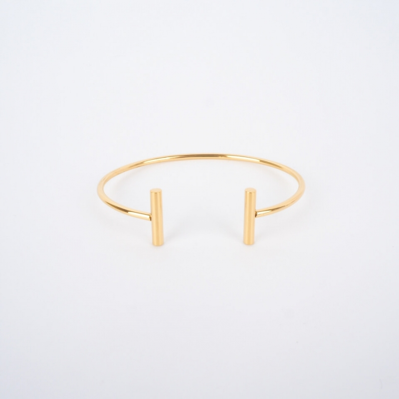 """T"" gold bangle - Zag Bijoux"