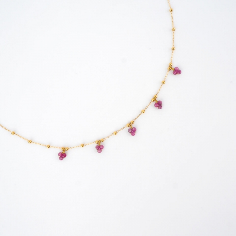 Collier grappes rubis...