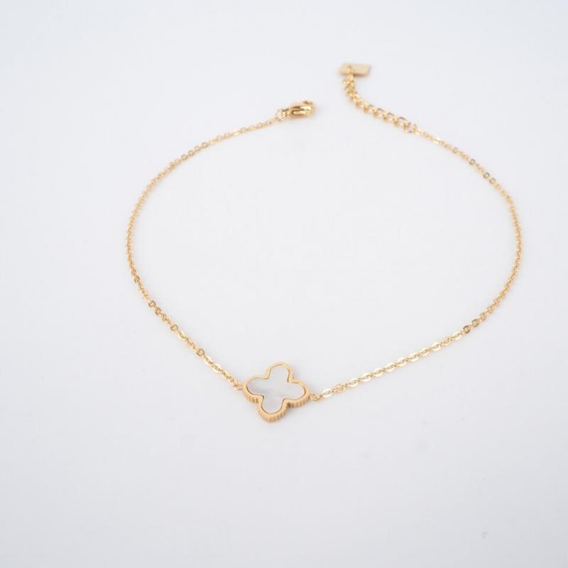 Mini clover gold anklet...