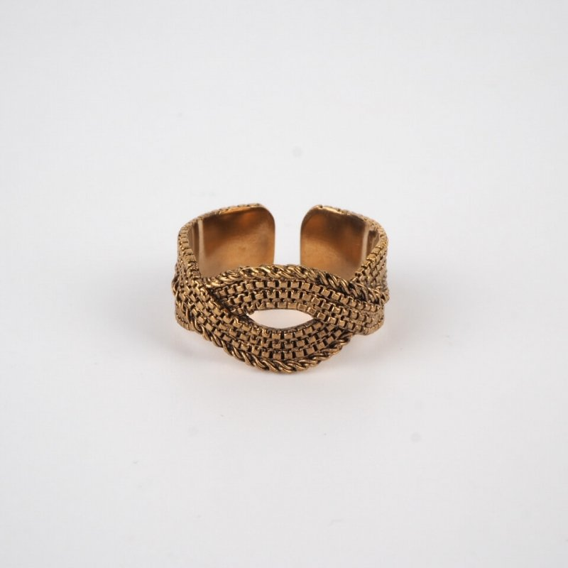 Golden poetic ring -...