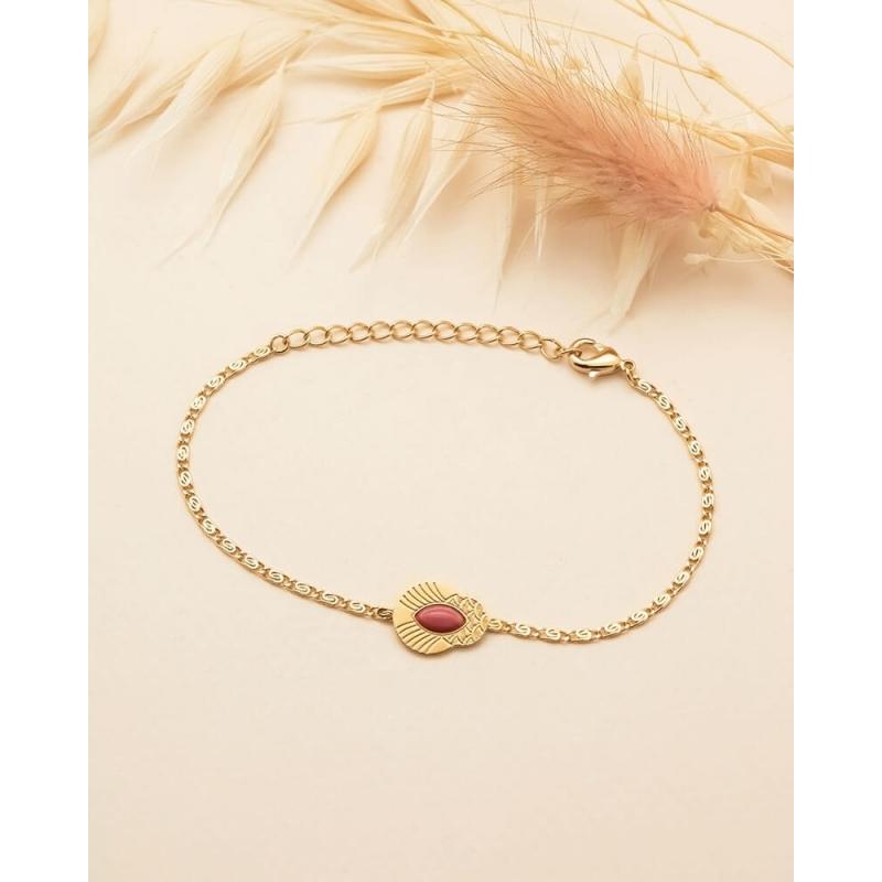 Golden chain bracelet...