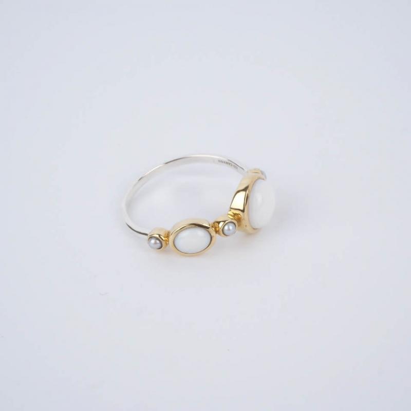 White Fortune ethnic ring...