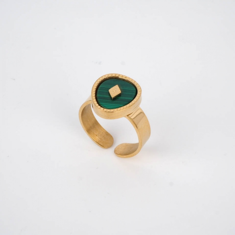 Green Esther ring in gold...