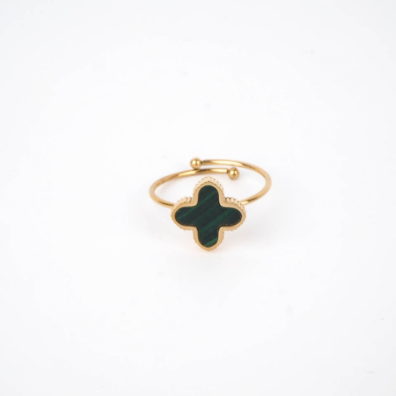 Green Bonnie ring in gold...