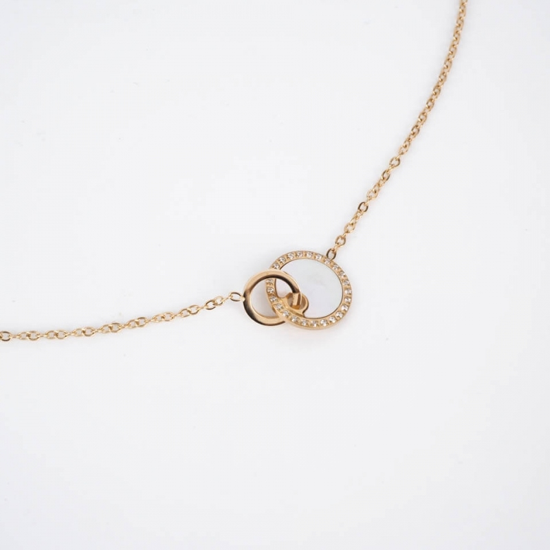Union pearl necklace steel...