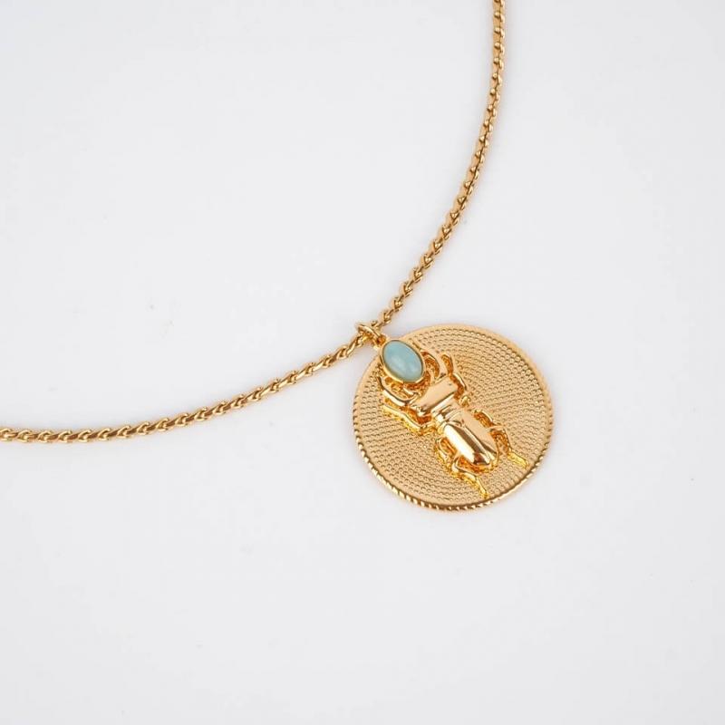 Collier Médaillon turquoise...