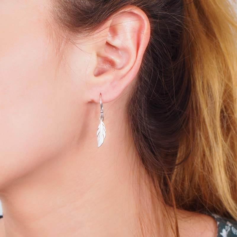 Long feather silver earrings - Pomme Cannelle