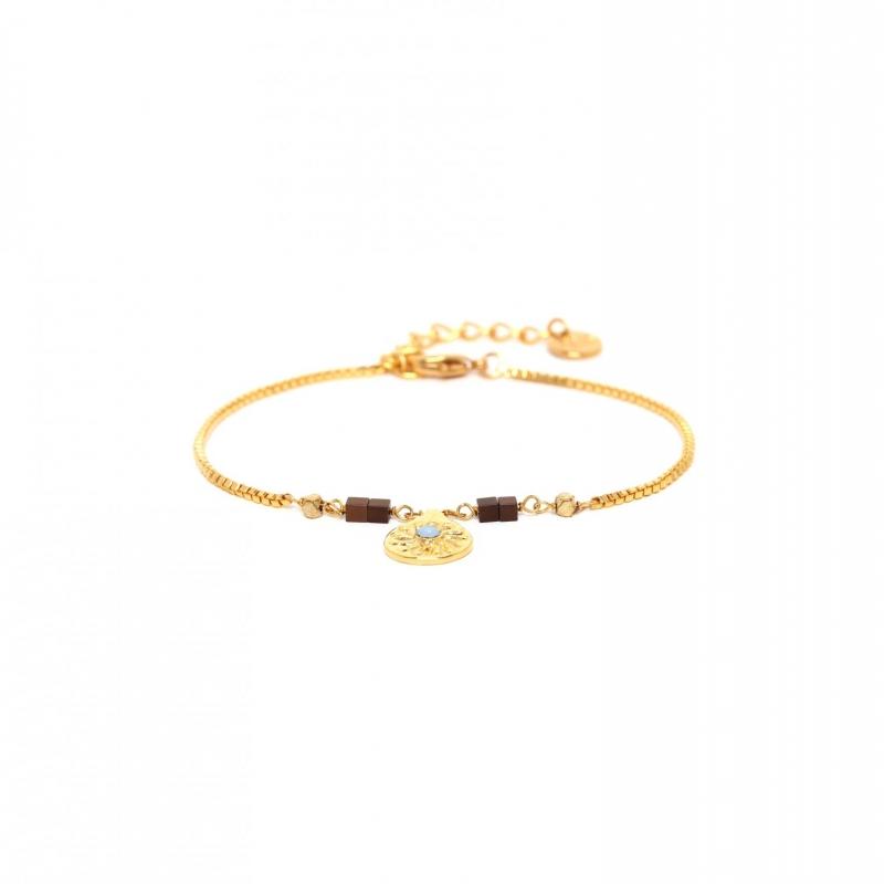 Adjustable bracelet with...