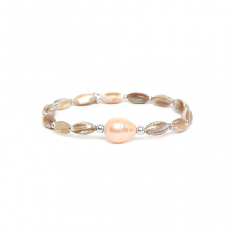 Stretchable pearl bracelet...